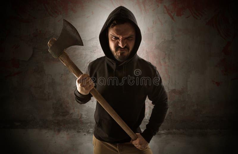 Вооруженная убийца в пустой кровопролитной концепции комнаты иллюстрация штока