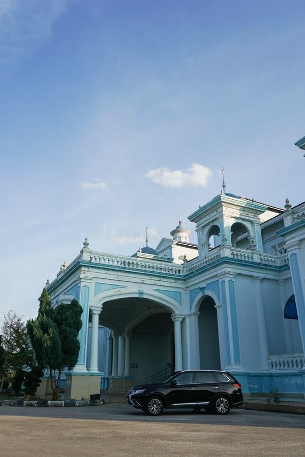 Голубая мечеть мечети Ismail султана расположенной в Muar, Джохоре, Малайзии Архитектура тяжело влияния западного стиля и стоковые изображения