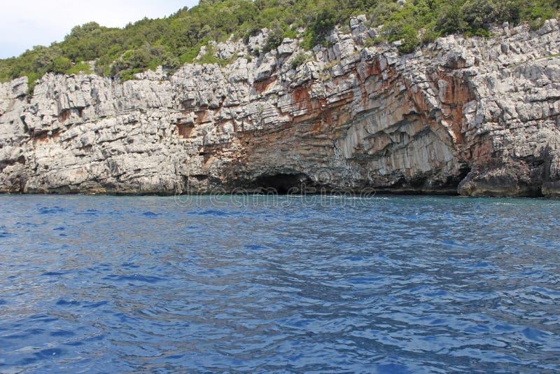 Голубая пещера около форта Mamula, Черногории перемещение карты dublin принципиальной схемы города автомобиля малое стоковые фотографии rf