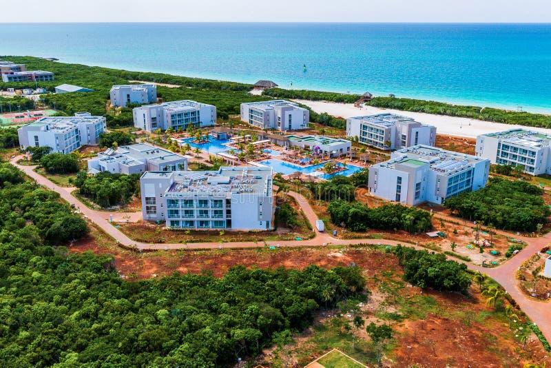 Гостиницы под конструкцией на кубинських северных ключах стоковое фото
