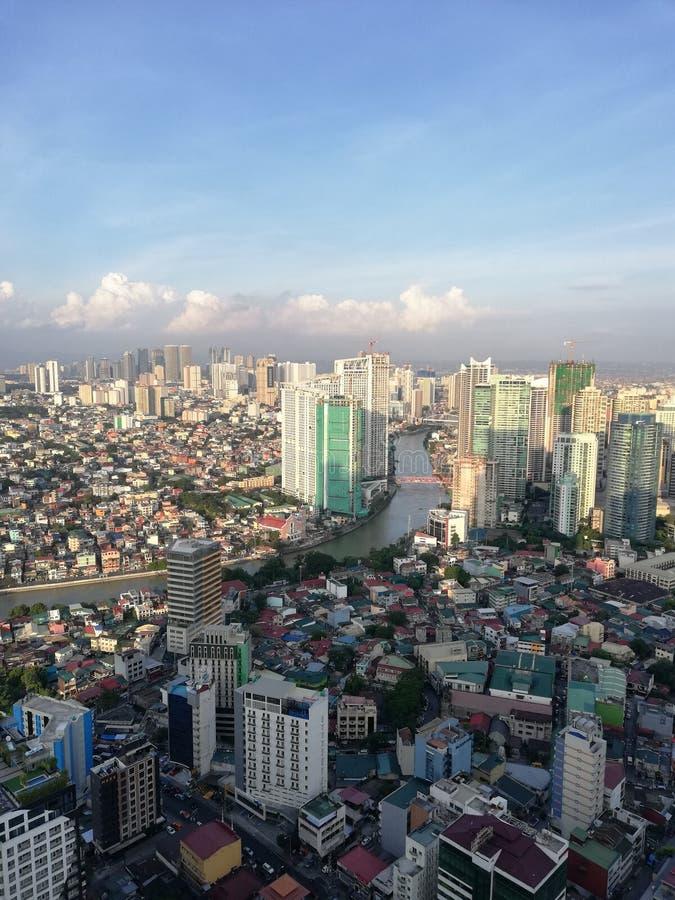 Горизонт Манилы и река Pasig пропуская до метро Манила стоковое фото rf