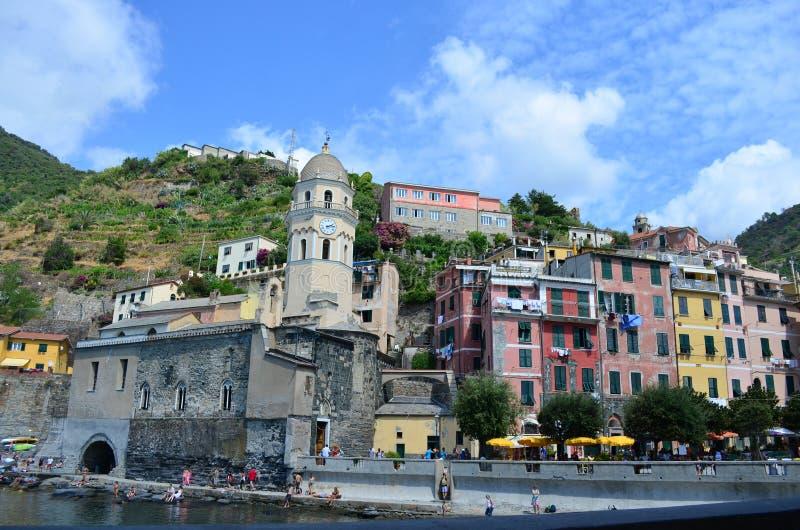Городской пейзаж Vernazza в Cinque Terre Место всемирного наследия Unesco Лигурия Италия стоковое фото