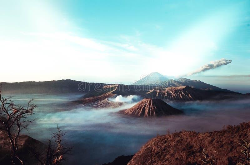 Естественная красота держателя Bromo кратера в Индонезии стоковая фотография