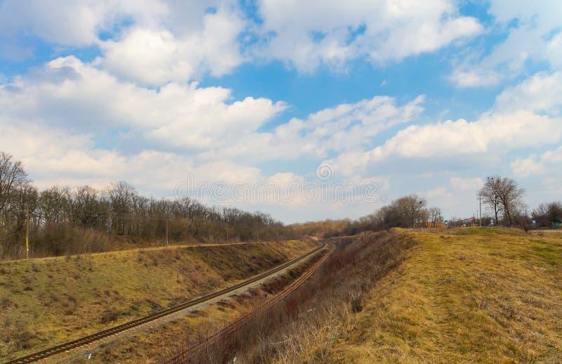 Железная дорога - старый 2-приемлемый electrified путь стоковое изображение rf