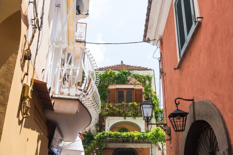Живописный угол в мире известном Positano стоковое изображение