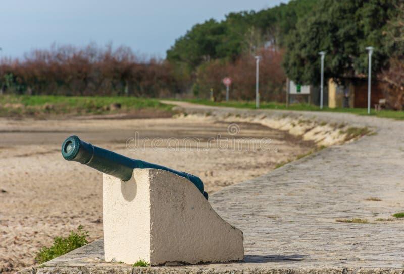 Залив Arcachon, Франция Оружие артиллерии Ares, около фретки крышки стоковое изображение rf