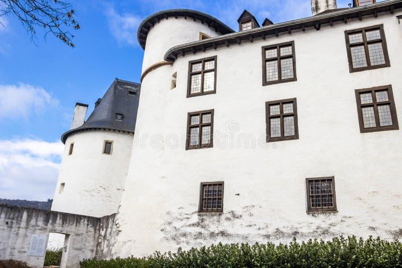 Замок Clervaux на Clervaux, Люксембурге, внешнем частично взгляде стоковые изображения rf