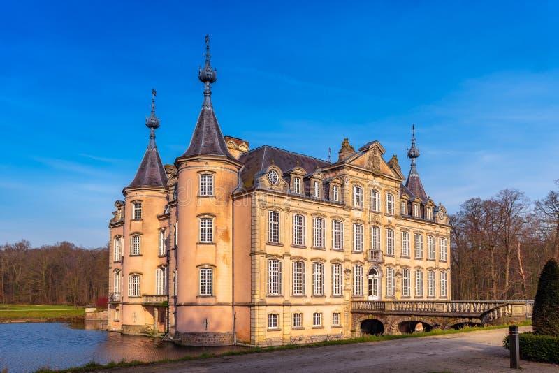 Замок Poeke в Бельгии стоковое изображение