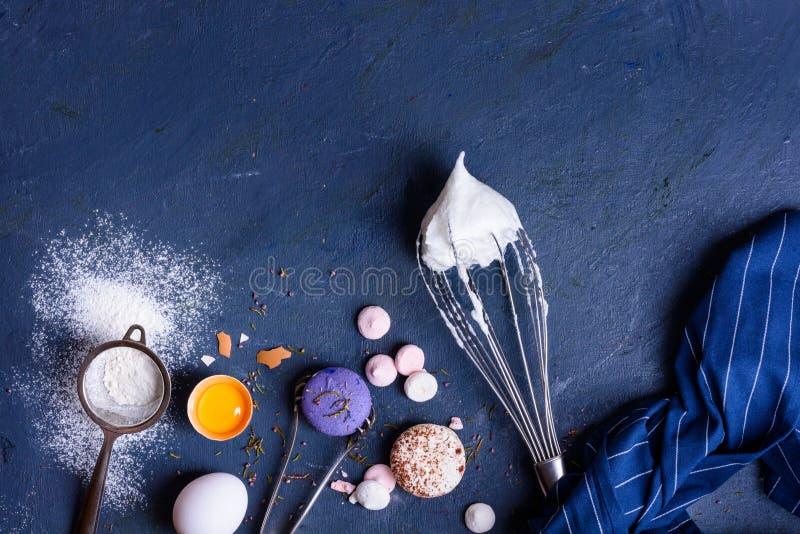 Здоровые ингридиенты выпечки Рамка предпосылки хлебопекарни Взгляд сверху, космос экземпляра стоковые изображения rf