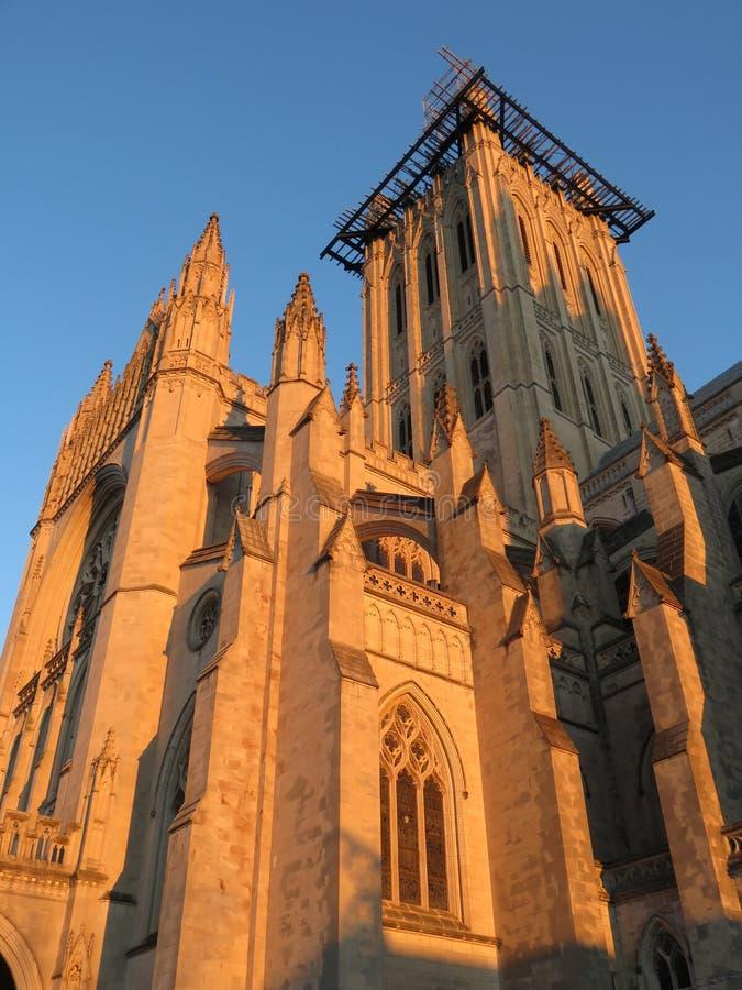 Золотой свет на национальном соборе стоковое изображение