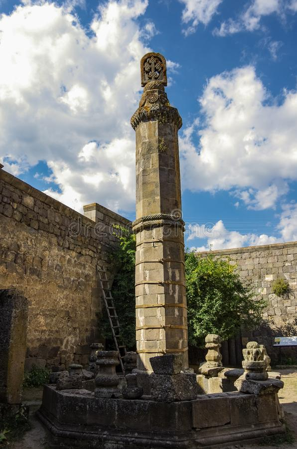 Известный отбрасывая штендер ghavazan в монастыре Tatev стоковые изображения rf