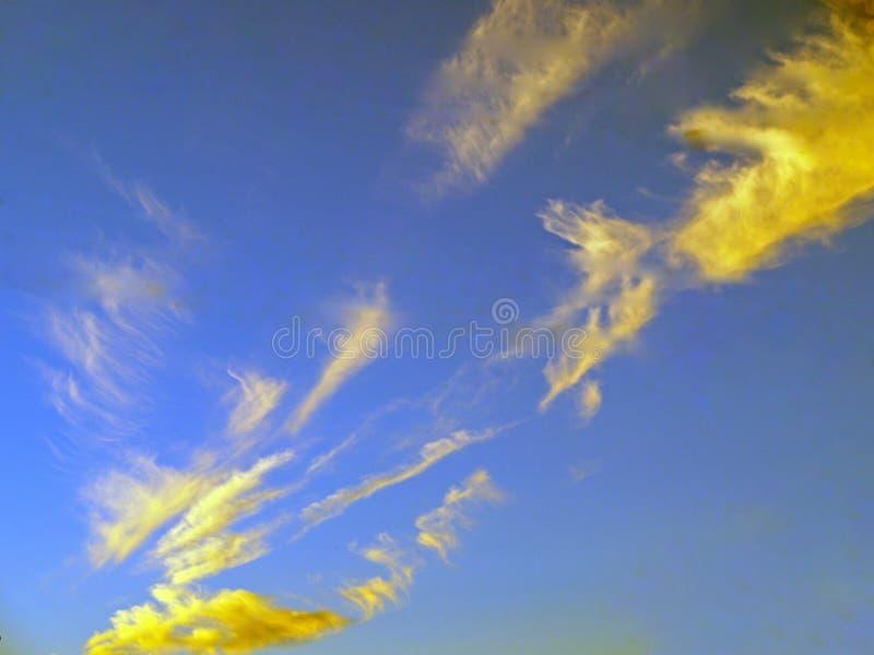 Интересное небо сумрака стоковые фотографии rf