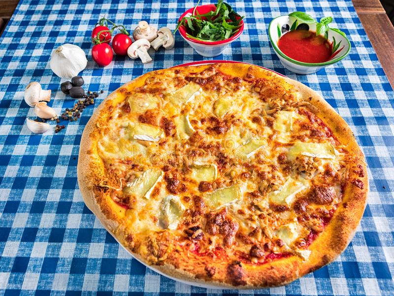 Итальянская пицца сыра 4 стоковое изображение rf