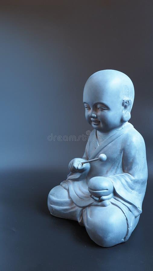 Каменная статуя японского буддийского монаха стоковая фотография rf