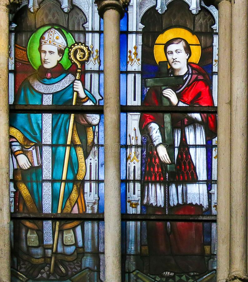 Католические Святые - цветное стекло в церков Severin Святого, Париже стоковое изображение rf