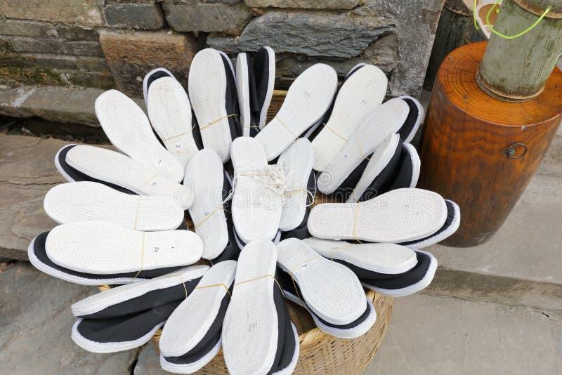 Китайские традиционные handmade ботинки, саман rgb стоковое фото