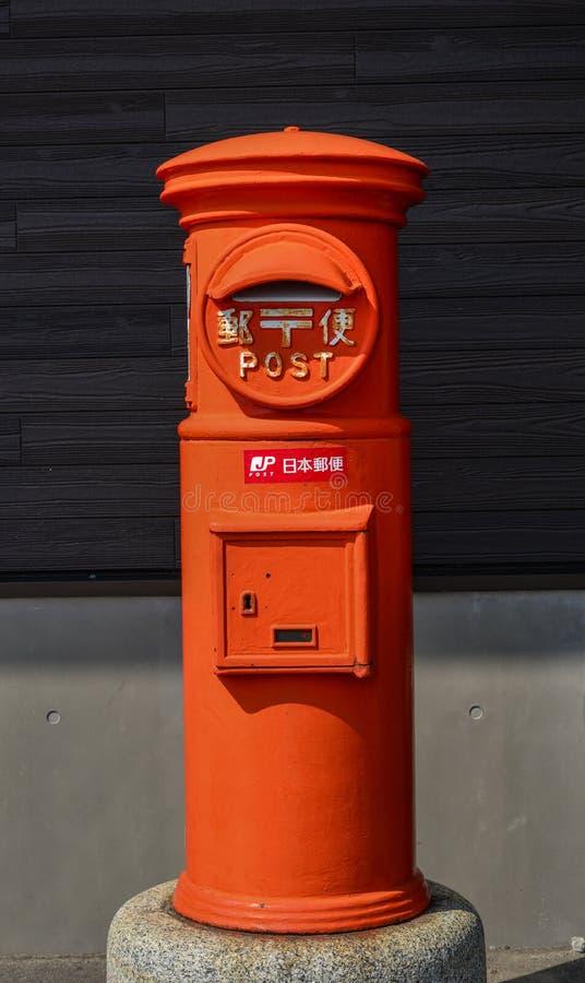 Классический винтажный postbox японского стиля стоковые фотографии rf