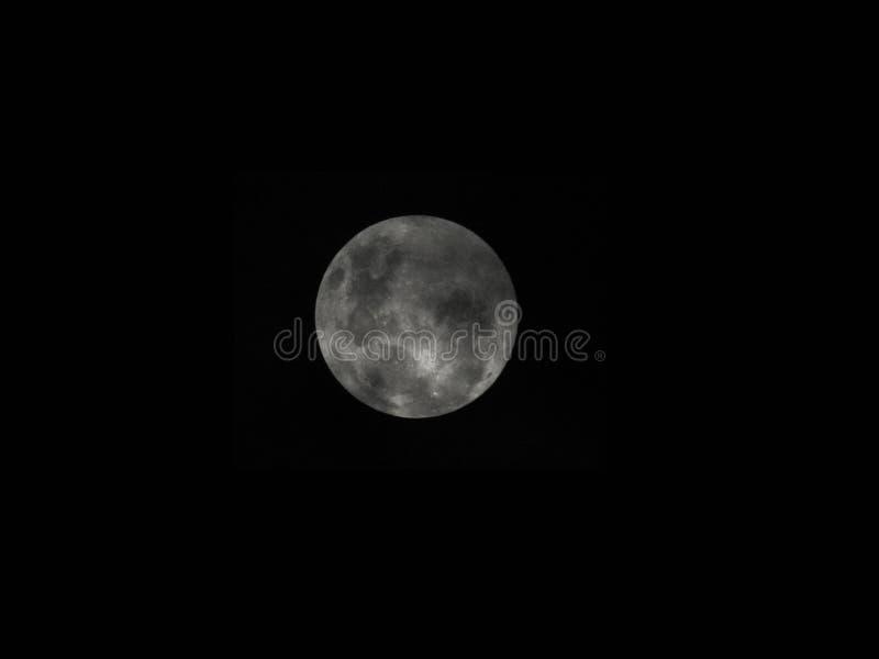 Красивая луна в Dourados стоковые изображения