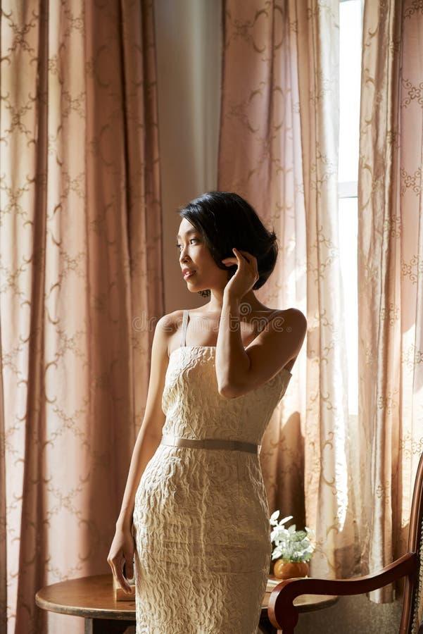 красивейшая невеста шикарная стоковая фотография rf