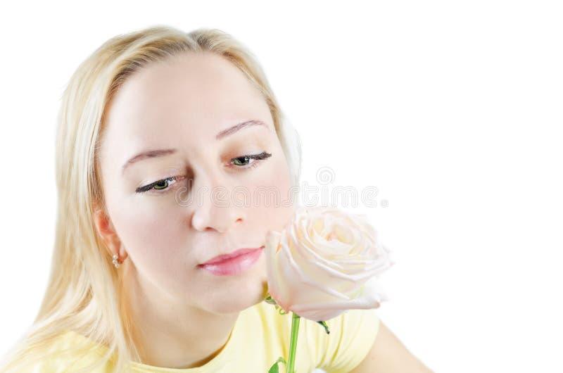 красивейшие детеныши женщины цветка стоковые изображения