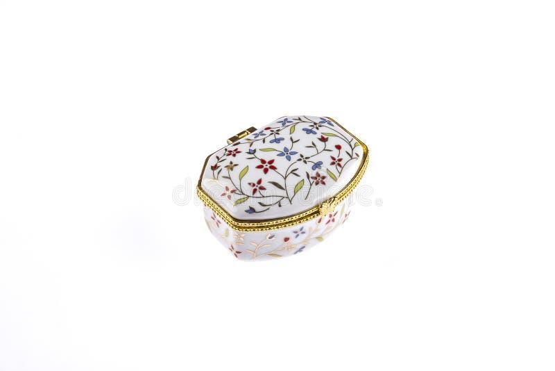 Красивый фарфор или керамическая винтажная коробка для ювелирных изделий стоковые фотографии rf