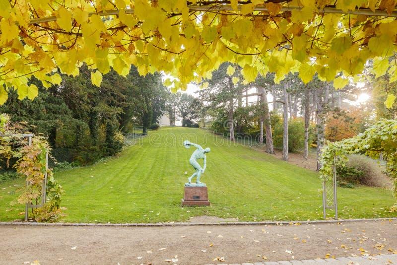 Красивый цвет падения вокруг ботанического сада стоковые изображения