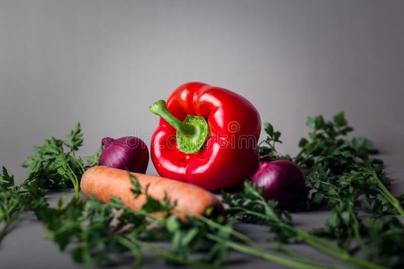 Красный пеец, морковь и луки стоковая фотография rf