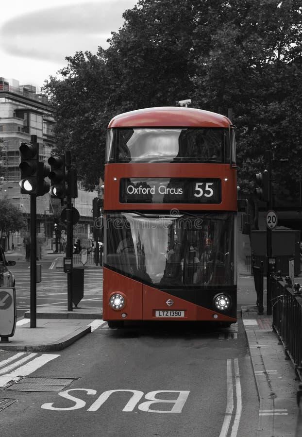 красный цвет london шины стоковая фотография