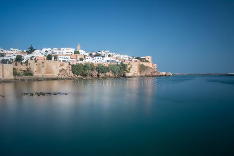 Красочный взгляд des Udayas Kasbah с долгой выдержкой Марокко rabat стоковая фотография