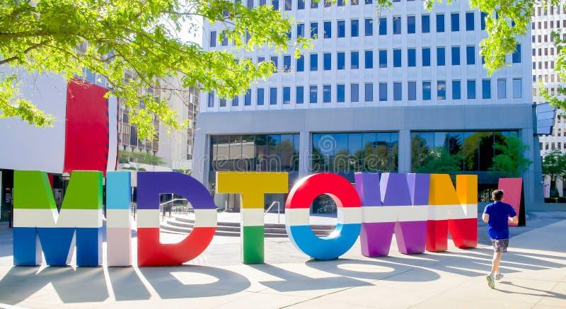 Красочный знак который говорит центр города по буквам в Атланта Грузии стоковое изображение