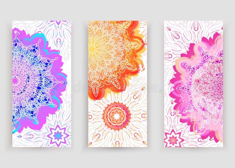 Круглая мандала градиента на белой предпосылке Мандала boho вектора в фиолетовых, оранжевых и розовых цветах Мандала с флористиче иллюстрация штока