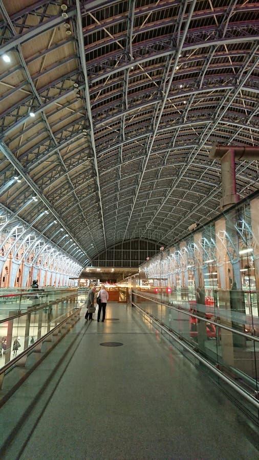 Крыша станции St Pancras стоковые фотографии rf