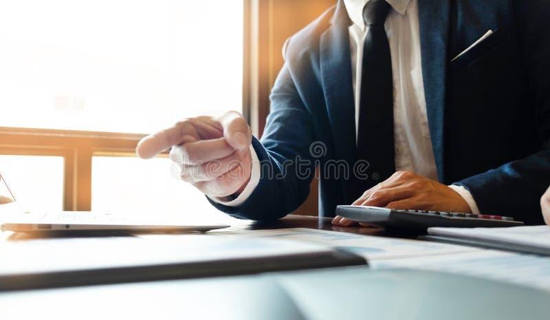 Консультант бухгалтерии, планирование финансового планирования консультанта бизнес-консультанта финансовое стоковое изображение