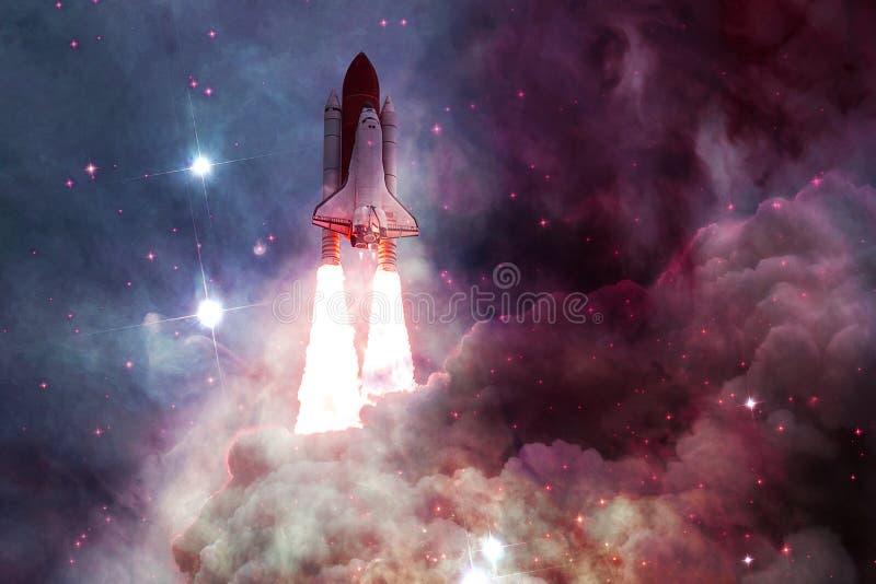 Космический летательный аппарат многоразового использования принимая на полет стоковые изображения