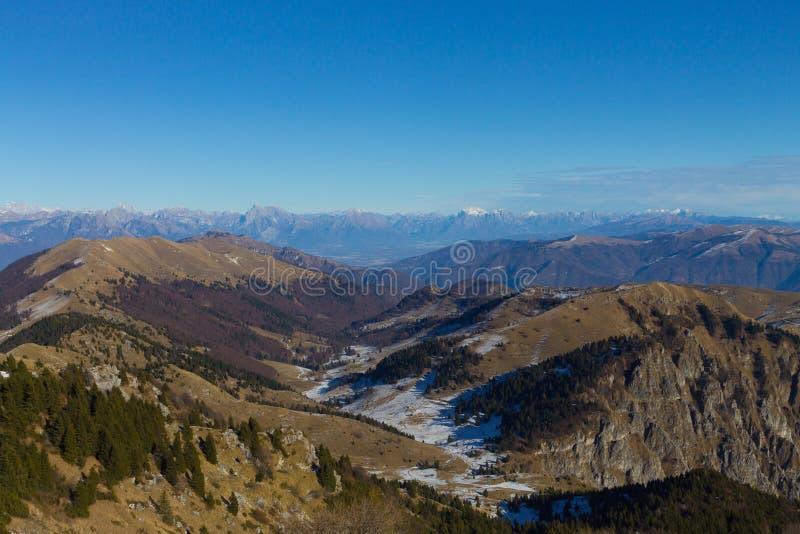Ландшафт зимы, итальянец Альп стоковые фотографии rf