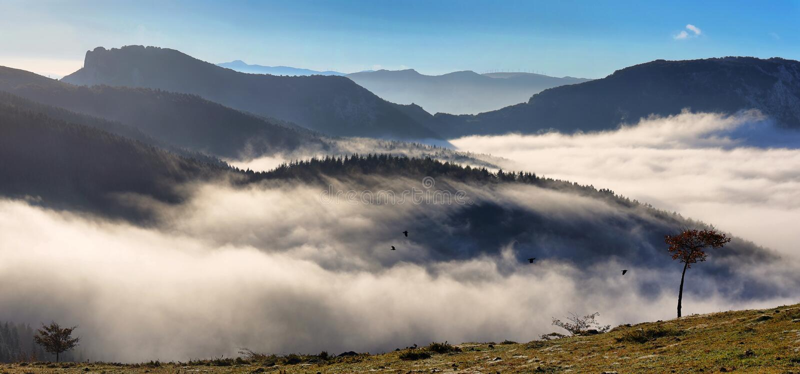 Ландшафт природного парка Urkiola в Испании стоковые фотографии rf