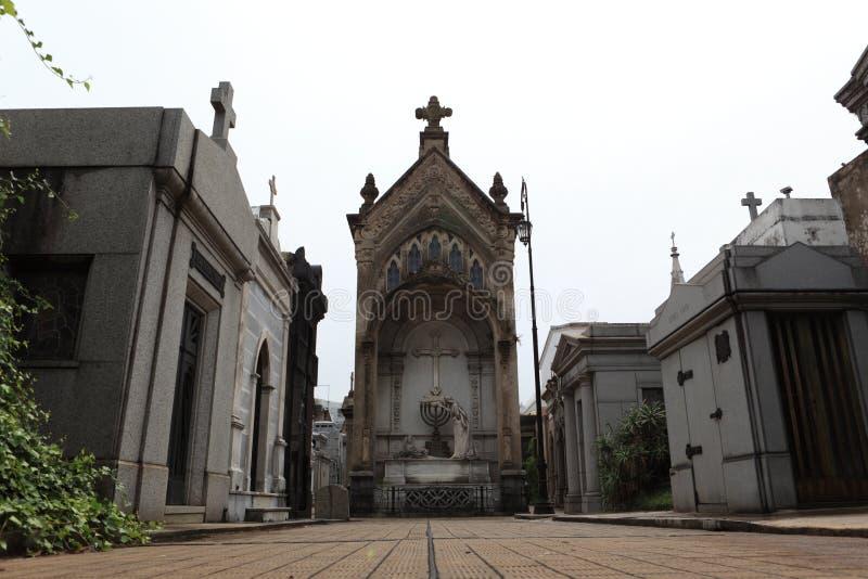 Ла Recoleta кладбища в Буэносе-Айрес стоковая фотография rf