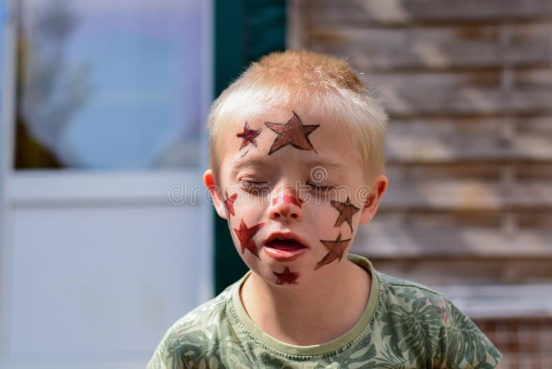 мальчик Дошн Сындроме стоковое изображение