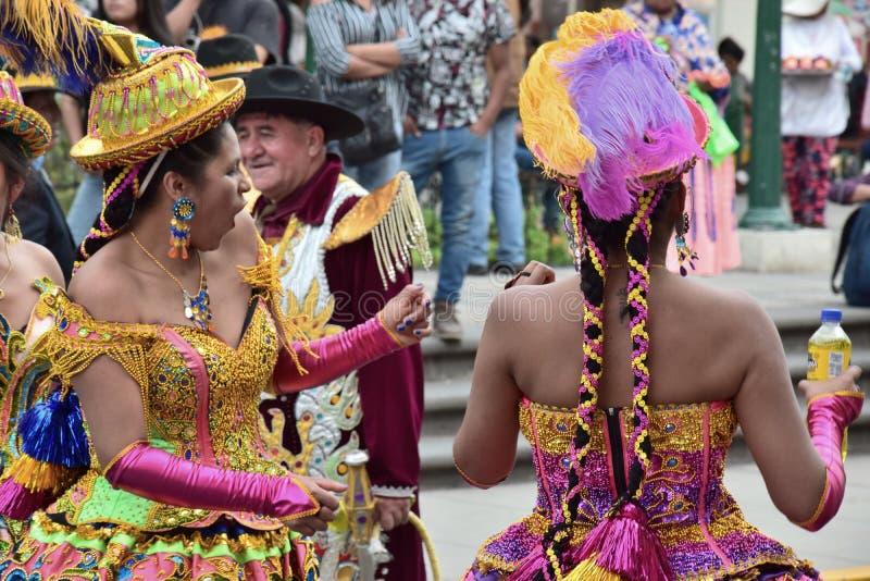 Местные торжества и красочные одежды стоковое изображение rf