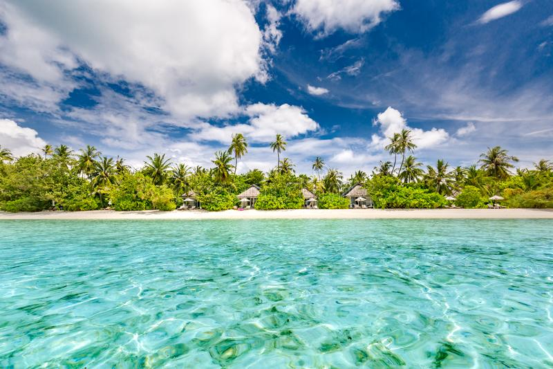 место пляжа спокойное Экзотический тропический ландшафт пляжа для предпосылки или обоев Дизайн концепции праздника летних каникул стоковая фотография rf