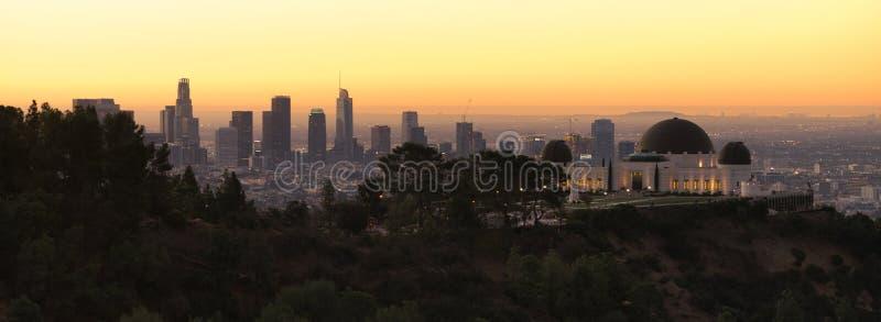 Метрополия красивого светлого горизонта города Лос-Анджелеса Калифорния городского городская стоковое изображение rf