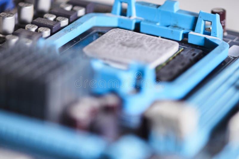Микропроцессор фотографии макроса установленный на материнскую плату стоковые изображения rf
