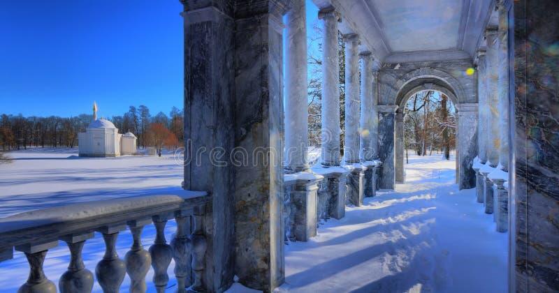 Мраморный мост и турецкая баня в парке Катрин Pushkin стоковые изображения rf