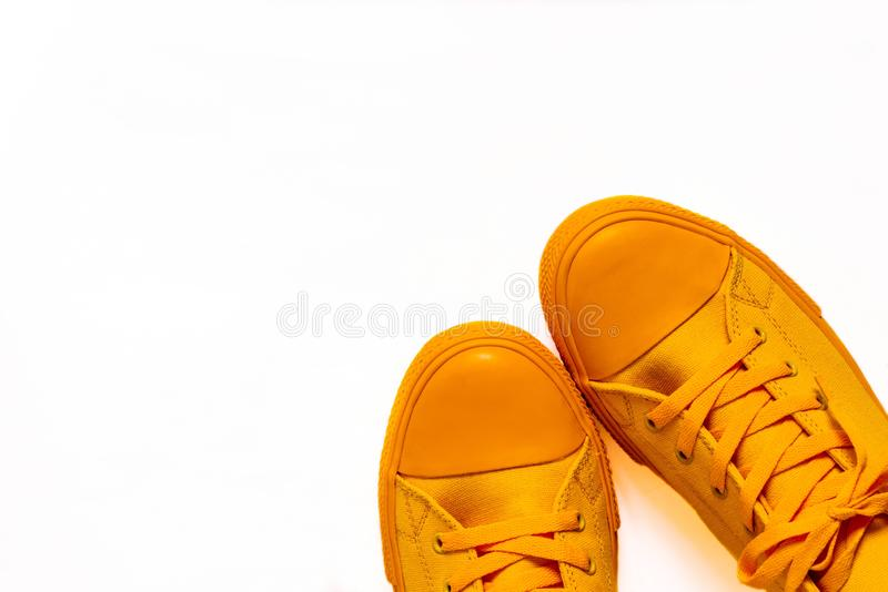 Модный крупный план ботинок спортзала на белой предпосылке стоковые изображения rf