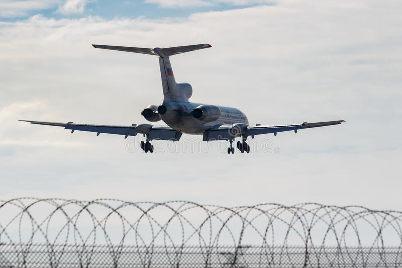 Москва, Россия - 14-ое марта 2019: Туполев Tu-154M RA-85084 воздушных судн военновоздушной силы Российской Федерации идя к призем стоковое изображение