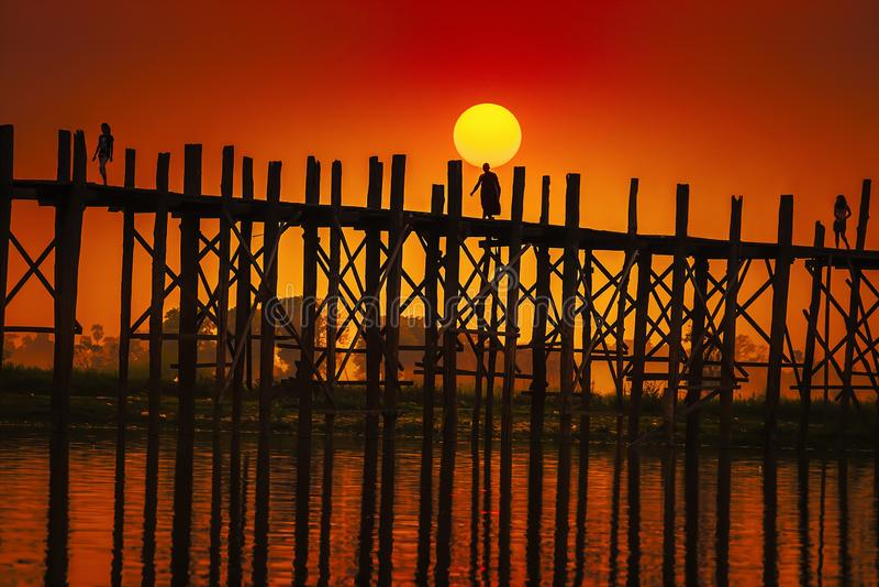 Мост Мандалай u Bein в Мьянме стоковое фото rf