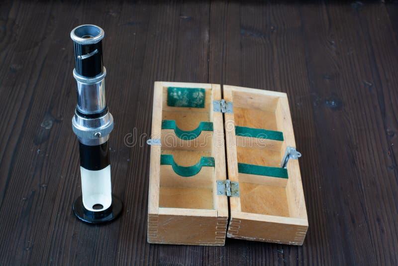 Наборы различных инструментов для выполнять многочисленные работы стоковые фото