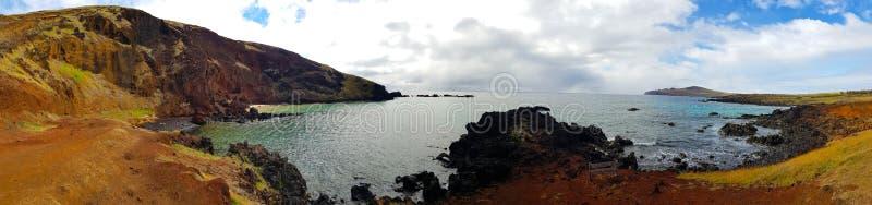 Небольшой пляж Ovahe, остров пасхи, Чили стоковые изображения rf