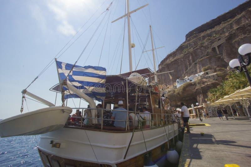 Небольшой порт Fira в Santorini в Греции стоковая фотография