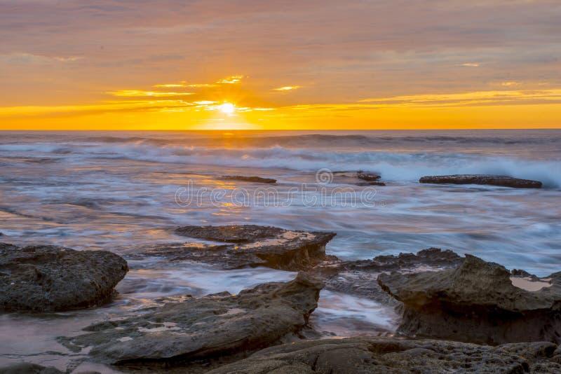 Небо захода солнца La Jolla оранжевое стоковые фотографии rf